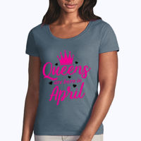 Queens are born in April Thumbnail
